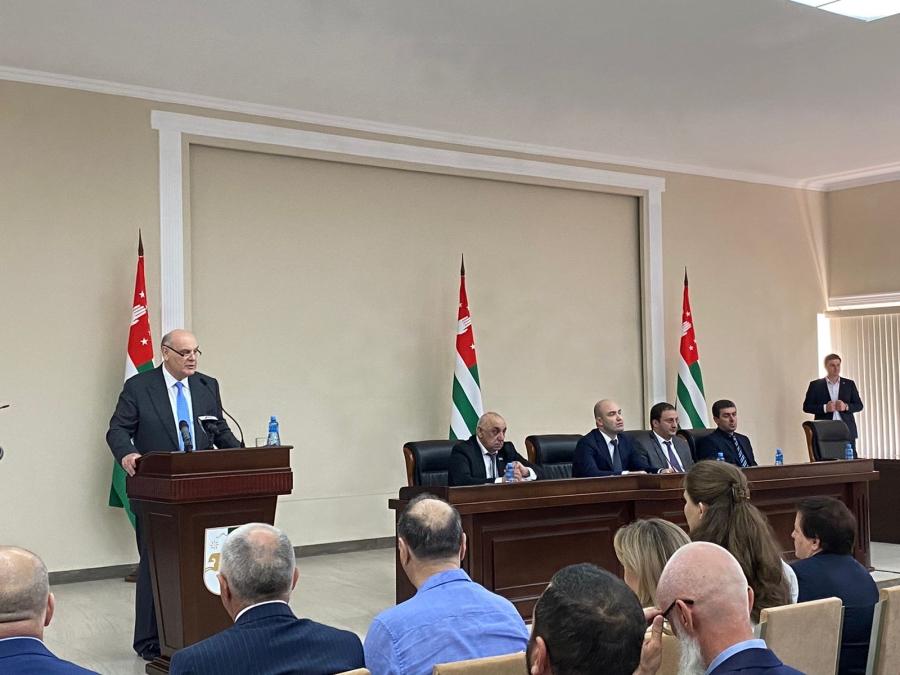 Аслан Бжания выразил соболезнования Башару  Асаду в связи с гибелью  граждан Сирии  во время взрыва в Бейруте
